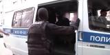 В Иркутске дебошир избил жену и грозился выпрыгнуть с балкона