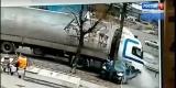 В Иркутске на Трактовой столкнулись грузовик и